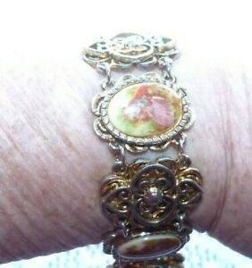 JEWELLERY  BEAUTIFUL VINTAGE BRACELET WITH CAMEO DECORATIONS 976