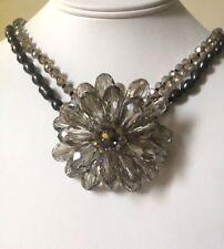 Lush Doble Fila Perla Genuina, diseño de flores de cristal grandes Collar rocas Boutique