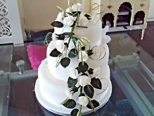 WEDDING CAKE SUGAR 18 TRAILING ROSES IN WHITE, OTHER COLOURS AVAILABLE,