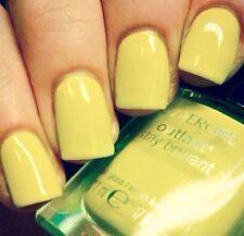 CoverGirl Outlast Stay Brilliant Nail Gloss Polish NUCLEAR Lime Green Cream .37