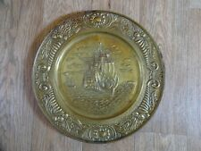ANTIQUE BRASS WALL HANGING CHARGER PLATE - GALLEON AT SEA SCENE 36 cm