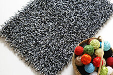 Noir & blanc glamour shaggy moderne fait main tapis échantillon, taille: 15cmX15cm