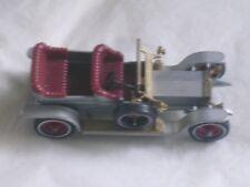 """Rolls-Royce 1906 de marque Matchbox """"Yesteryear"""" grise et bordeaux"""