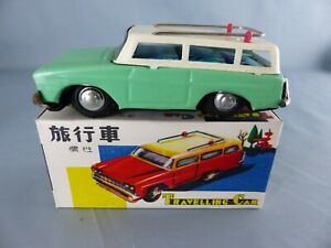Ancienne voiture a friction avec sirène TRAVELLING CAR MF 731 verte tôle NEUF
