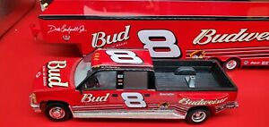 Action Brookfield dale Earnhardt jr #8 Budweiser 2002 1:24 scale crew cab & show