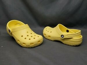 Crocs Women's Classic Clog Slip-On Light Yellow Size 7 NEW WITHOUT TAGS!