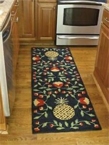 Pineapple Hooked Rug Runner -FREE SHIPPING