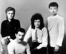 Freddie Mercury, Brian May, Roger Taylor & John Deacon photo - H3063 - Queen