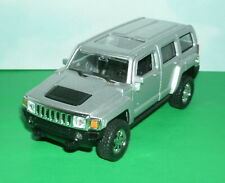 1/39 Scale 2006 Hummer H3 SUV Diecast Model 4x4 Replica - Welly 43629 Silver