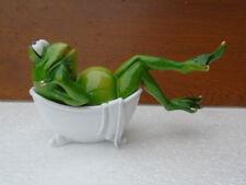 statue d une grenouille dans son bain , déco intérieur , nouveau !