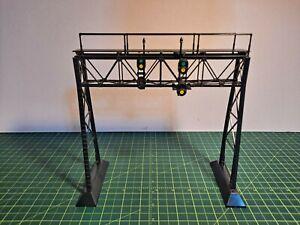 VINTAGE PLASTICVILLE SIGNAL BRIDGE (SG-3), COMPLETE, WITH BOX
