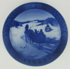 More details for 1964 royal copenhagen christmas plate, 'fetching the christmas tree', 1 of many