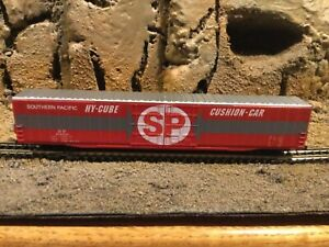 N Scale Arnold hy-cube auto parts boxcar SP SOUTHERN PACIFIC rapido cplrs NIB