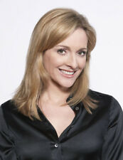 Gabby Logan UNSIGNED photo - L280 - GORGEOUS!!!!!