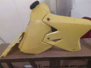drz400e plastic tank and shrouds