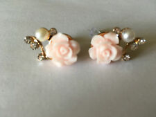 BOUCLE D'OREILLE FLEUR ROSE PERLE NACRE COULEUR OR NEUF EMBALLE