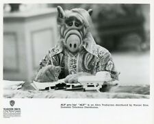 ALF THE ALIEN TAKES NOTES WEARING HIP CLOTHES ALF ORIGINAL 1990 NBC TV PHOTO