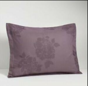 2 Vera Wang Bouquet Standard Shams NIP Purple Mulberry