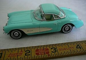 Matchbox Ultra Series 1/43 Scale 1957 Chevrolet Corvette Convertible Model Car
