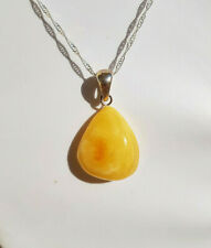 5,1 grams Beautiful Genuine Baltic Amber Butterscotch Pendant