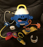 MR MEN Toy/play set Medical Kit  RARE Complete  Fisher-Price Mattel 2008 Mr Bump