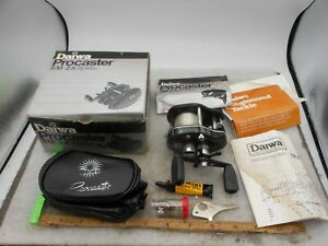 Vintage Daiwa Procaster SM -2A Casting FISHING REEL W/ BOX PAPERS PARTS & CASE