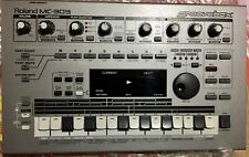 Roland Groovebox Mc-303 Synthesizer Sampler Sequencer with operation manuals