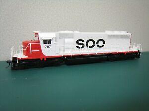 kato HO scale Soo Line SD40-2 diesel locomotive #787 customized paint scheme