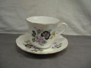 Elizabethan Bone China Black & Pink Floral Cup & Saucer England VGC pk