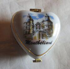 Pilulier ou boite à bijoux en porcelaine décorée du « château de Montbéliard » -