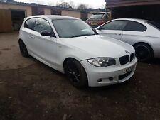 Breaking BMW Série 1 E87 120i Coupé 3dr M Sport wheelnut toutes les parties Blanc