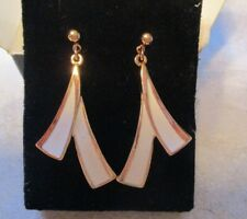 AVON VINTAGE*BRUSHSTROKE PIERCED EARRINGS W/SURGICAL STEEL POSTS *WHITE*NIB*1992