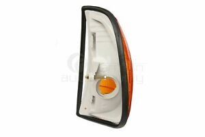 URO Turn Signal Light Assembly Right 0008208921 for Mercedes-Benz MB