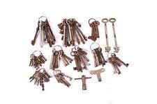 90 Stk. alte Schlüssel Bartschlüssel Doppelbart Tresorschlüssel Vierkant Antik