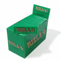 Rizla Regular /Standard Green Cigarette Rolling Papers - A box of 100 booklets