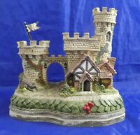 1994 David Winter Cottages The Guardian Gate Premier Castle Excellent Condition