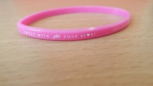 "Pink Thin Silicone Bracelet With Message ""Trust with all your heart ❤ """