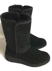 UGG Women's Classic Short II Winter Boots Black Suede Sz 6.5