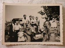 altes Foto Auto Oldtimer Transporter LKW Männer trinken Bier Arbeit Altwasser