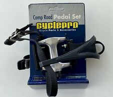 """Wellgo  Bike Pedal with Toe Clips and Strap Set Silver Black 9/16"""""""