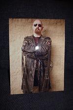 Judas Priest Rob Halford signed autógrafo en 20x28 cm foto inperson Look