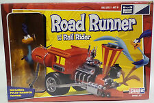 ROAD RUNNER : ROAD RUNNER & THE RAIL RIDER MODEL KIT MADE BY MPC