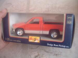 MAISTO 1995 DODGE RAM PICKUP TRUCK  DIECAST  IN ORIGINAL BOX 1/26 SCALE