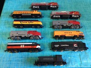 Ho scale (10) Train Engine Assortment Mixed lot
