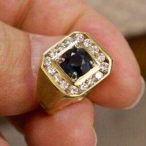 MEN'S 18 KARAT YELLOW GOLD 1.90ct SAPPHIRE & DIAMOND (VS/G) RING (size 8)