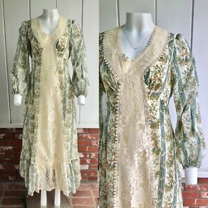 VTG 70s Gunne Style Novelty Fantasy Print Ivory Lace Apron Maxi Prairie Dress M