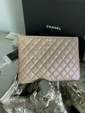 CHANEL 19S Iridescent Beige Caviar Mini O-Case Small Med Pearly CC Taupe Clutch