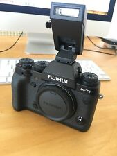 Top! Anschauen! Gepflegte Fujifilm X-T1inkl. Original Fuji VG-XT1 (Nur Gehäuse)