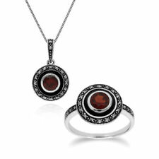 Conjuntos de joyas con diamantes o gemas negras