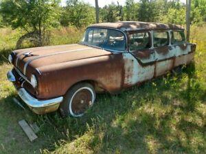 1955 Pontiac 9 Passenger Wagon